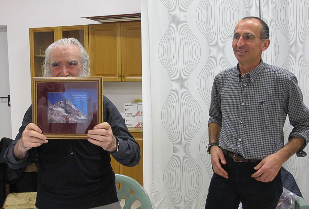Riconoscimento a Gustin dalla Scuola Alpi Ovest